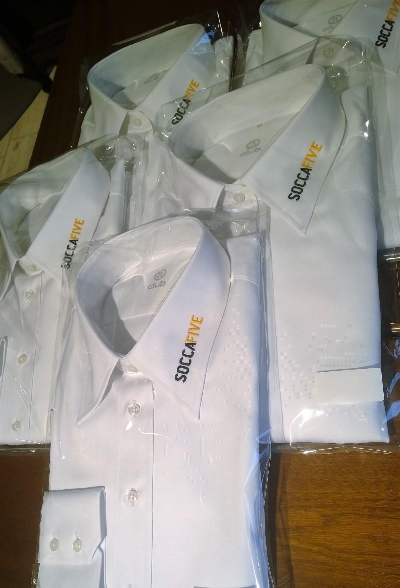 Corporate Fashion b2b Maßhemd im Kundenbereich für das SoccaFive Team