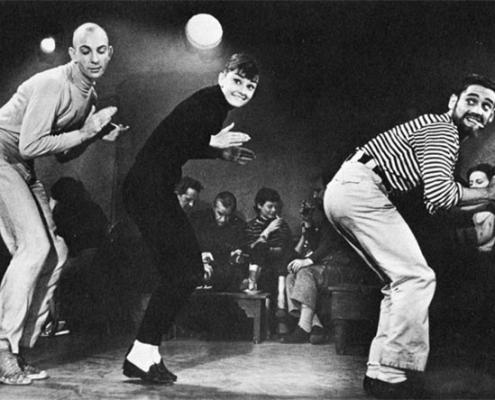 Audrey Hepburn - At the Clubs mit Weejuns Pennyloafern von G. H. Bass